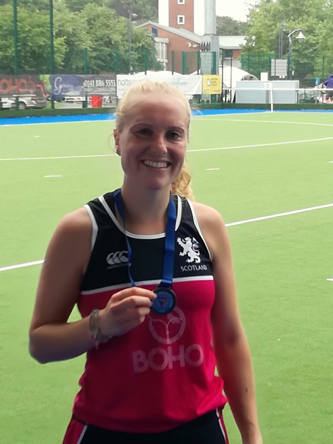 Former Pupil celebrates gold with Tartan Hearts